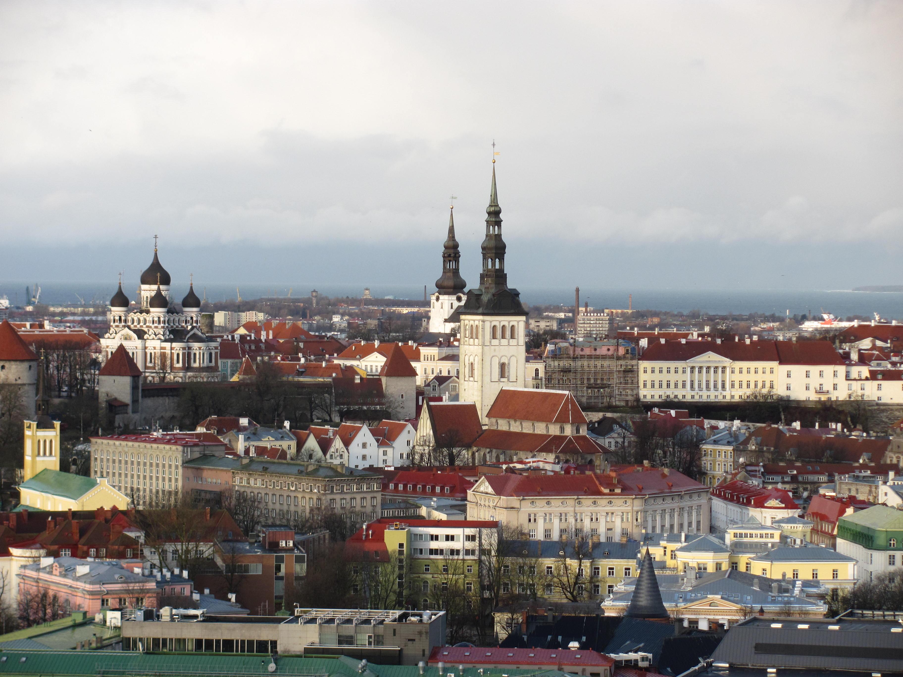 kuvassa Tallinnan kaupunki.