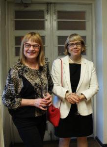 Onnittelemaan saapuivat myös pitkäaikainen aktiivijäsen Sirpa Puhakka sekä JSN:n puheenjohtaja Elina Grundström.